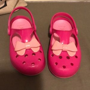 Crocs Pink Bow size youth 11